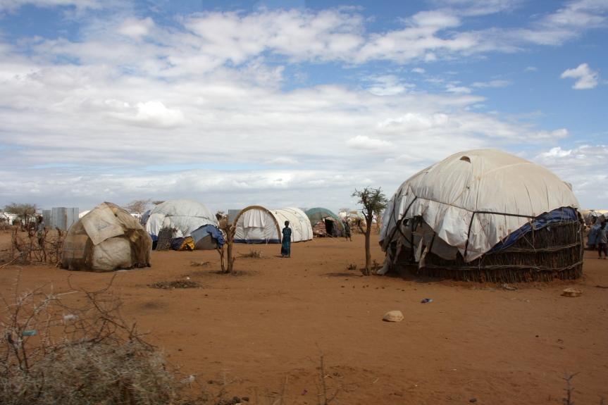 refugee_shelters_in_the_dadaab_camp_northern_kenya_july_2011_5961213058